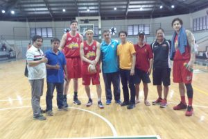 FRONT ROW SEATS AT SMB CAMP. Cristopher Bansan (fifth from left), the La Trinidad A01 La Trinidad Coordinator, poses with Philippine Cup Champion Beermen Arnold Van Opstal (third from left), Alex Cabagnot (fourth from left) and David Semerad (far right) along with A01 officers lead by Coach Mon Casuga in a visit of the San Miguel Beer's training camp last year. The A01 training program is a set of basketball training modules and curriculums conducted to young people in the country and should be on its way to be integrated into the sports programs of La Trinidad, Benguet if plans go accordingly. Participants in the program may also find opportunity to visit some PBA training camps through the A01 program. (March 19, 2017)ARMANDO BOLISLIS, photo contributed by Cris Bansan.