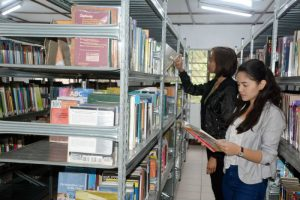 Students take time to read books and other reading materials at the Baguio City Public Library located at the Burnham Park Area. The public especially children are encouraged to use the facilities and services of the city library which are free. (March 27, 2017) REDJIE MELVIC CAWIS, PIA-CAR.
