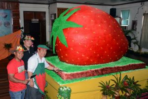 La Trinidad Mayor Romeo Saldo, together with the local chefs and bakers, leads the ceremonial slicing of the giant strawberry shortcake, highlighting the 36th Strawberry Festival of La Trinidad, Benguet last March 19, 2017. The giant strawberry shortcake is a replica of the cake which landed as biggest strawberry shortcake at the Guinness Book of World Records in 2004. (March 27, 2017) REDJIE MELVIC CAWIS, PIA-CAR.