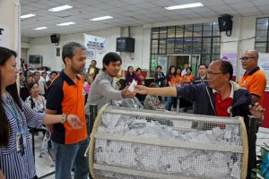 LUCKY EARLY TAX PAYERS - Mayor Mauricio Domogan's Executive Assistant III Camilo Estepa, assisted by City Treasury in-charge of office Alex Cabarrubias, draw the lucky early tax payer winners of ten (10) 6.5 kg. washing machines; nine (9) 7.0 cubic feet refrigerator and nine (9) 32-inch television sets as part of the City Treasury Office's Social Marketing program held at the One-stop-shop last April 7. (April 9, 2017) BONG CAYABYAB