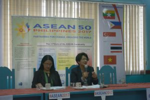 PILARS OF ASEAN COMMUNITY - Regional line agency officials led by DSWD-CAR regional director Janet Armas and DTI-CAR assistant regional director Grace Baluyan discuss the three pillars of the Association of Southeast Asian Nations (ASEAN) Economic Community during a recent press briefing at the Philippine Information Agency (PIA) office Wednesday. (June 4, 2017) ROSALIA T. SEE